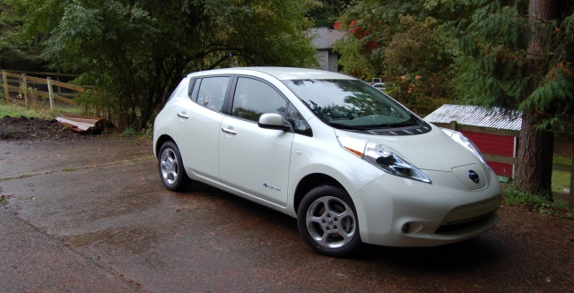 2012 Nissan Leaf SV in Pearl White